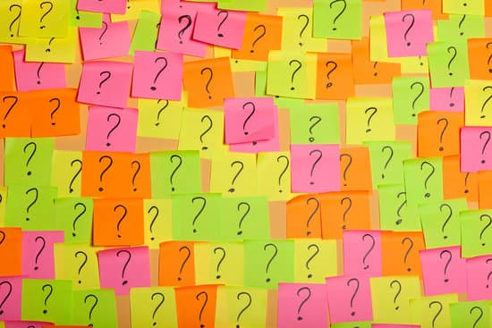 Collage of multicolor notepad squares with question marks